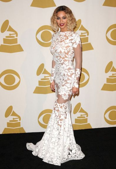 Beyonce-Grammy-Red-Carpet-3065812